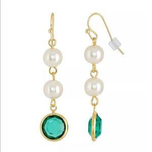 1928 goldtone faux pearl & emerald drop earrings